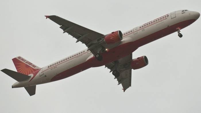 """""""¡Sube, sube!"""" La rápida maniobra de una piloto evita una tragedia aérea en la India"""