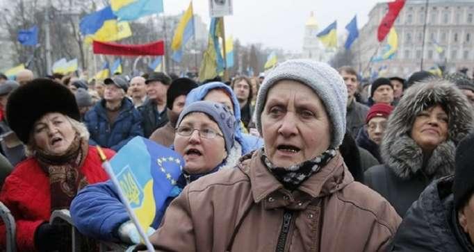 Saakashvili supporters march in Kiev, demand Poroshenko
