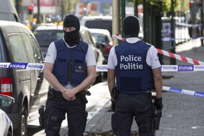 Belgian police seal off part of Brussels amid reports of
