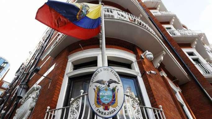 Ecuador admite que no ha podido lograr que se desechen cargos contra Assange en Reino Unido