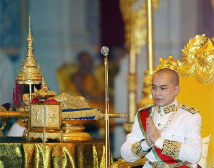 Cambodian Cabinet endorses law outlawing insulting king