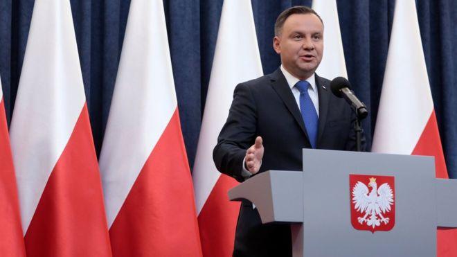 Poland Holocaust law: France criticises