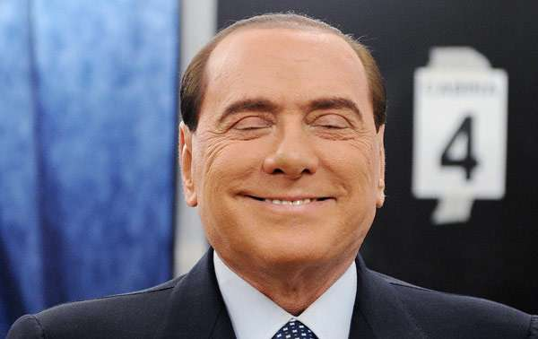 Européennes: Silvio Berlusconi officialise sa candidature