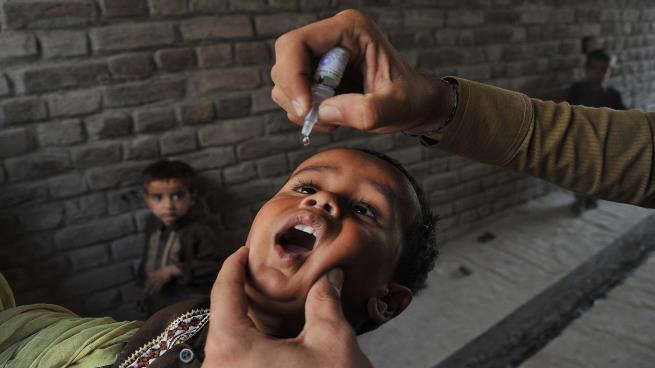 تطعيم 13 ألفا و400 طفل بجنوب سيناء ضد شلل الأطفال