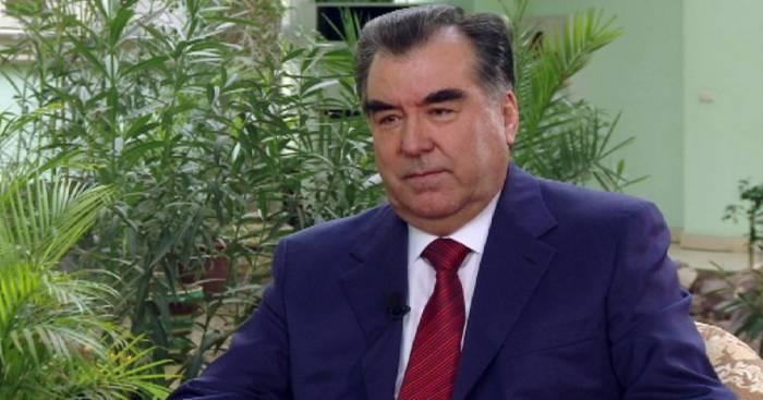 Tajik president congratulates President Aliyev