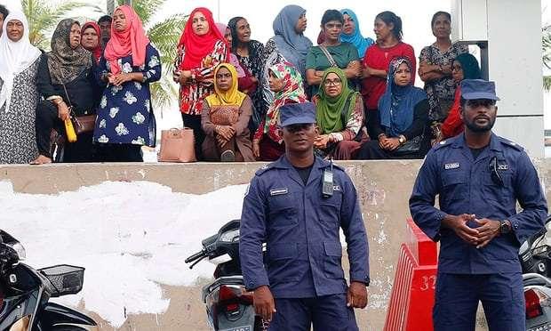 Maldives state of emergency: judges block release of political prisoners