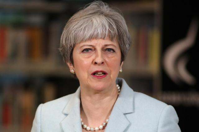 More than 60 MPs demand May delivers Brexit with full autonomy - BBC