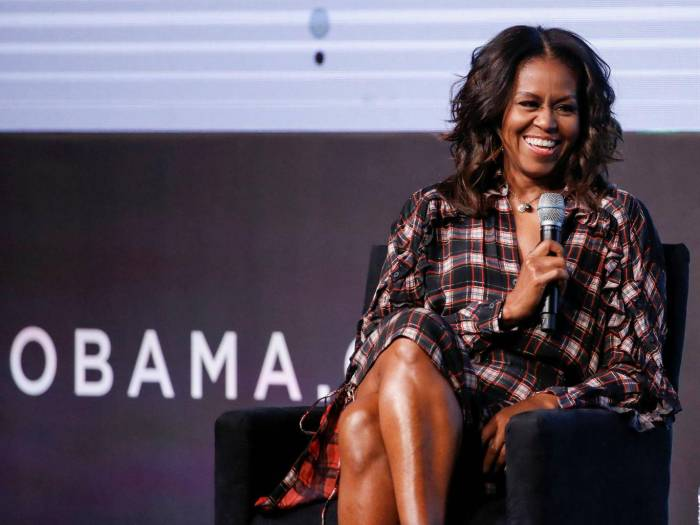 Michelle Obama reveals miscarriage and condemns