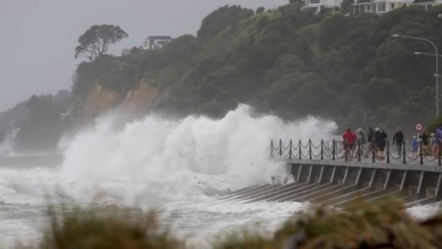 Hundreds of tourists stranded in New Zealand as storm batters much of the country