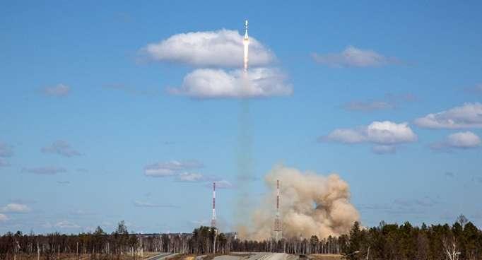 Une fusée russe Soyouz met ses satellites en orbite