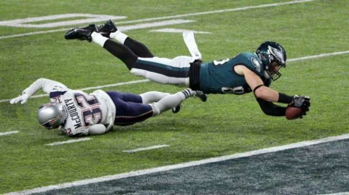 Eagles, Foles rally to stun Patriots in Super Bowl LII