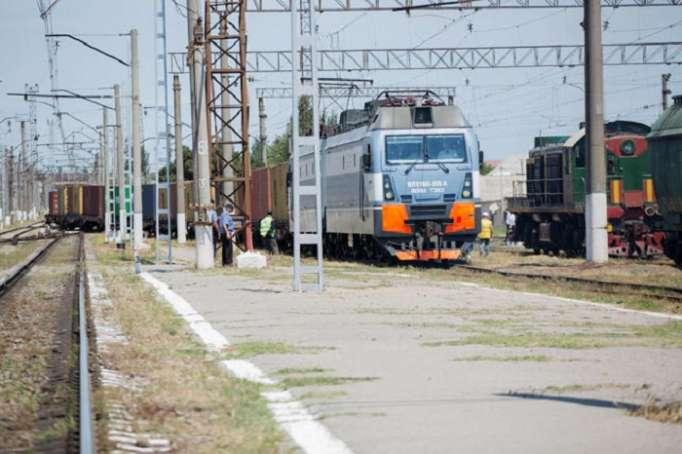 Kazakhstan sends off another freight train via Baku-Tbilisi-Kars railway