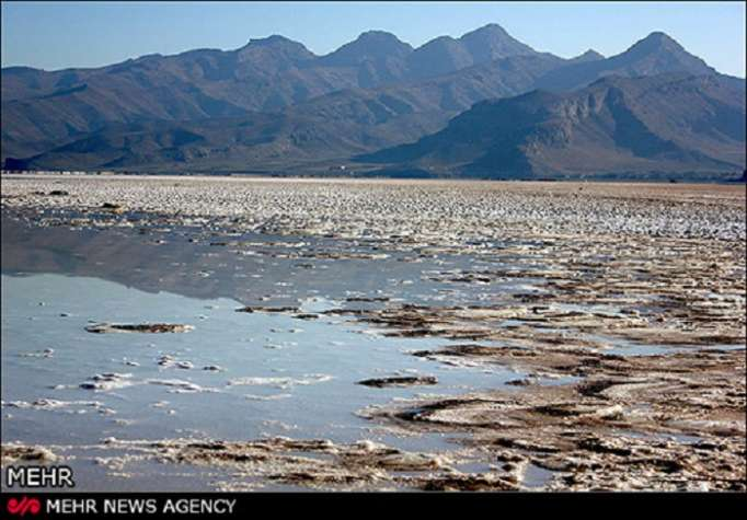Iran's Azerbaijanis ask Khamenei to get involved in Lake Urmia case