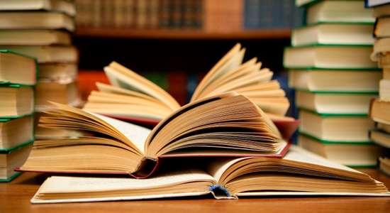 """البحرين تأمر بإعادة طبع 17 ألف كتاب مدرسي تضم اسم """"الخليج الفارسي"""""""