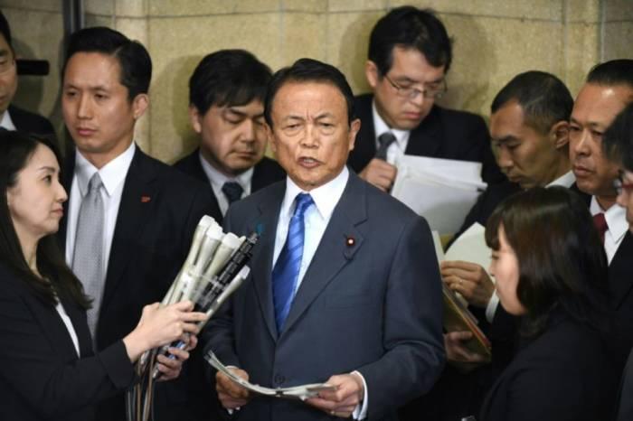 Le ministre japonais des Finances, affaibli par un scandale, n