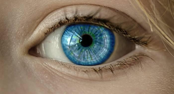 Diese Augentropfen könnten Brillen und Kontaktlinsen ersetzen