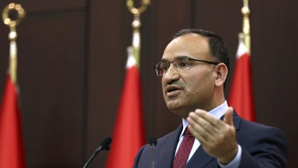 """Bozdağ: """"Türkei reicht Deutschland eine Note an"""""""