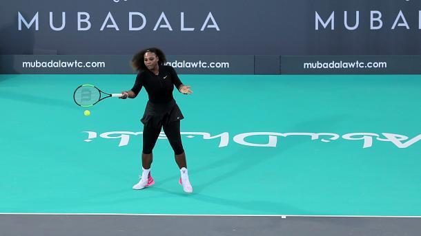 Serena Williams verliert bei Tennis-Comeback gegen Schwester Venus