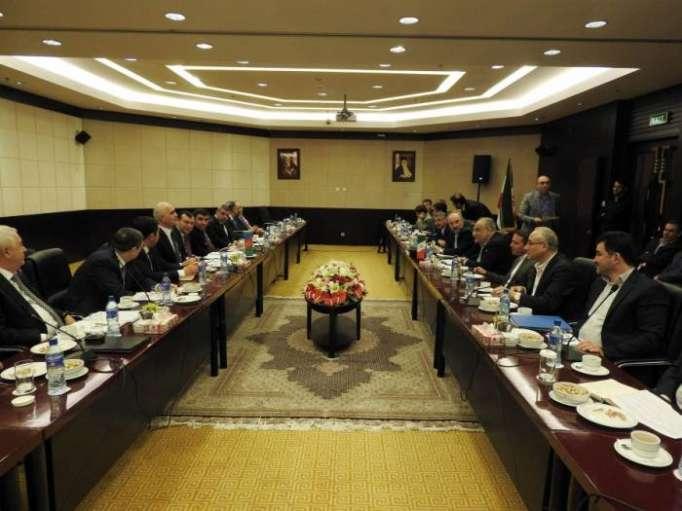 Une délégationazerbaïdjanais est en visite en Iran