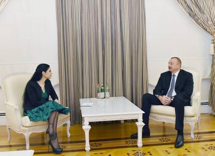Präsident Aliyev empfängt Vizepremierministerin Rumäniens