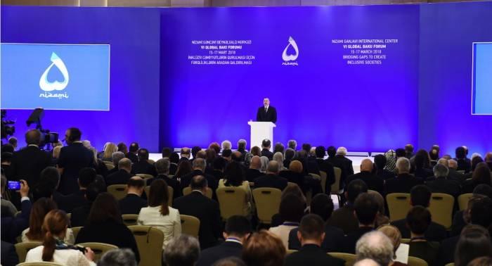 Ilham Aliyev participe au 6ème Forum global de Bakou