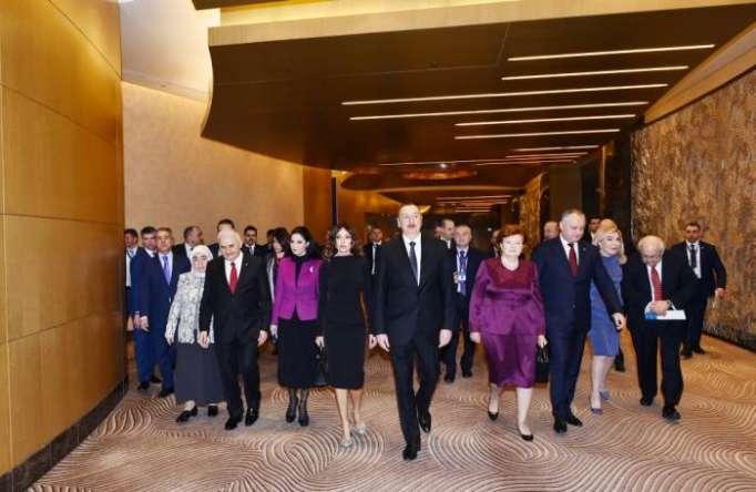Prezident və xanımı VI Qlobal Bakı Forumunda - FOTOLAR (Yenilənib)