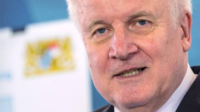 Merkel widerspricht Seehofer: Der Islam gehört zu Deutschland