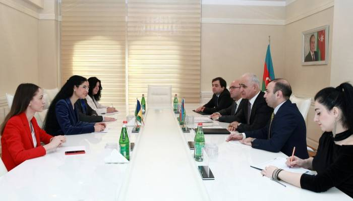 Azerbaijan, Romania discuss cooperation in field of economy