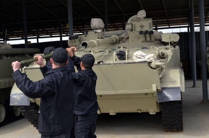 Personal und die militärische Ausrüstung, die zu den Übungen eingesetzt wurden, wurden zu den Punkten des permanenten Einsatzes zurückgebracht