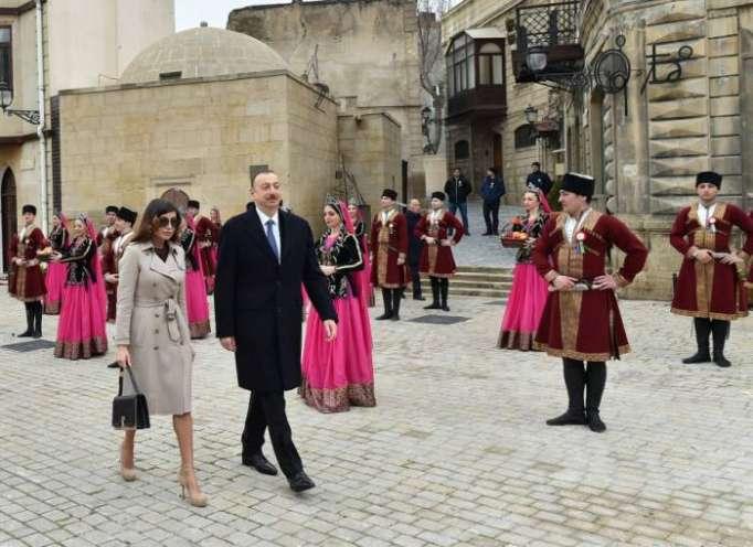 Ilham Aliyev y su esposa participan en las festividades nacionales de Novruz