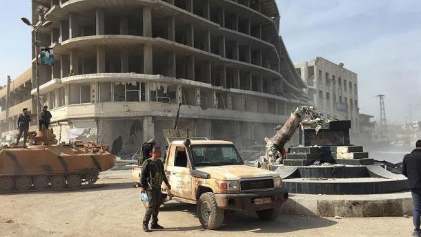 Explotan una bomba colocada por los terroristas en un edificio en Afrin