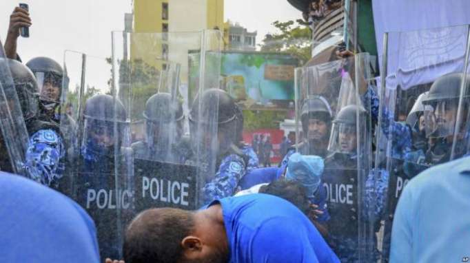 Maldives police arrest 139 opposition protesters under emergency rule