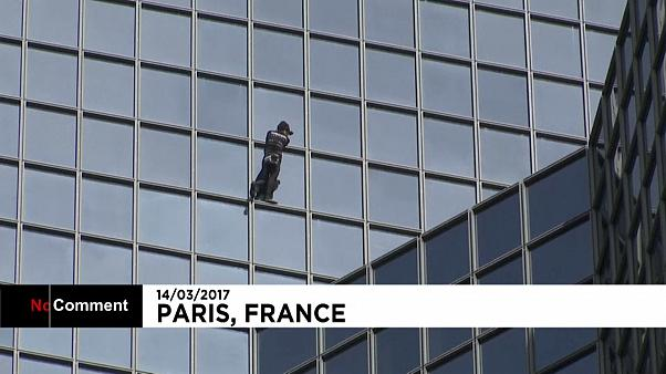 France: Famous climber Alain Rober scales skyscraper in Paris business district - NO COMMENT