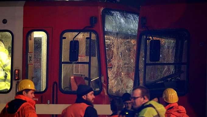 Trams karambolieren an Kölner Haltestelle