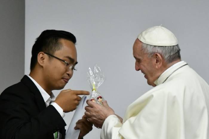 Le pape accueille 300 jeunes pour les écouter avant un synode