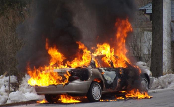 "Paytaxtda ""Hyundai"" yanıb"