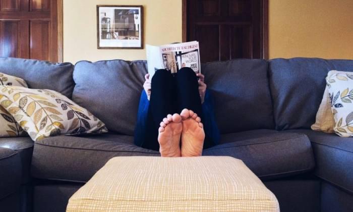 Le nesting : pourquoi rester chez soi est devenu plus cool que sortir