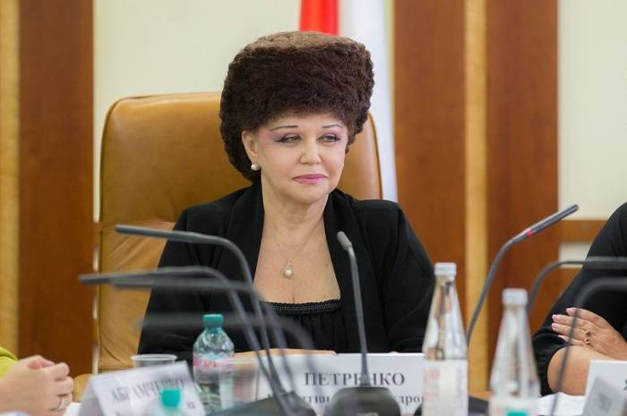 People are obsessed with this Russian senator