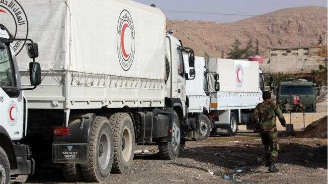 Syria war: UN aid convoy re-enters Eastern Ghouta amid