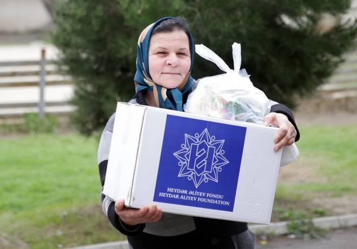 Aztəminatlı ailələrə Novruz sovqatları paylanılır