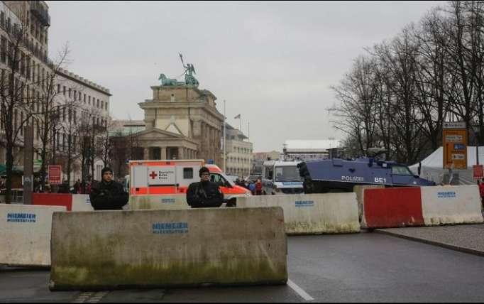 Policías alemanes desactivan un explosivo oculto en un paquete