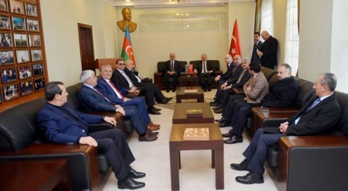 Azerbaijan, Turkey mull prospects for increasing transit cargo transportation