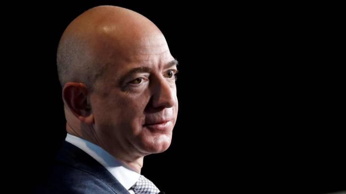 200.000 dollars pour des textos de Bezos adressés à sa maîtresse
