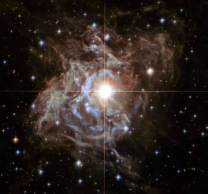 Massive dust structure around young star found by Hubble space telescope