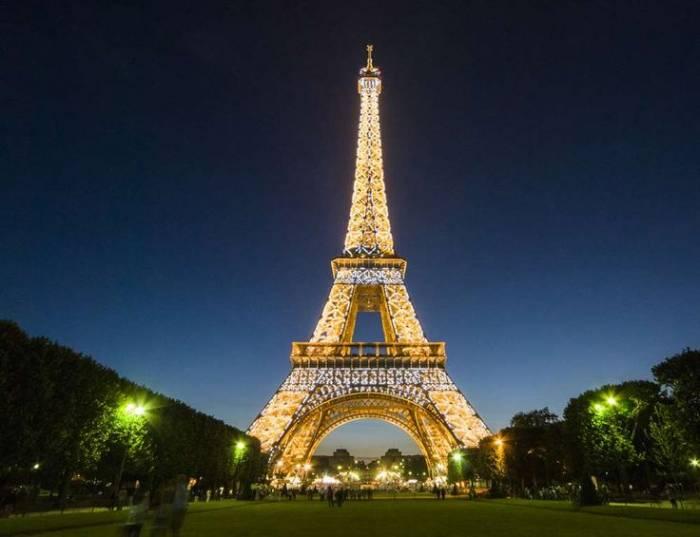 Coronavirus: la Tour Eiffel va rendre hommage aux personnes mobilisées
