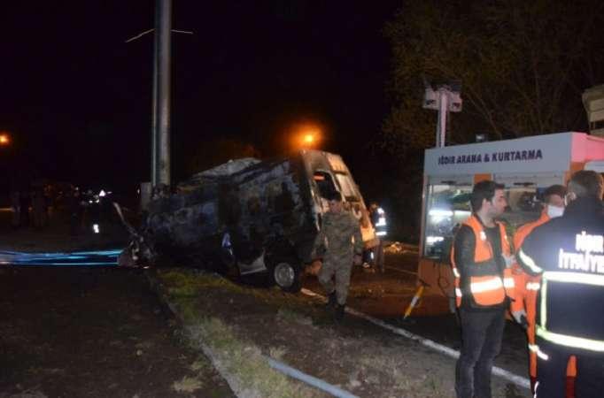 Dəhşətli avtobus qəzası: 17 ölü, 38 yaralı (FOTOLAR)