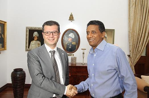 Seychelles president receives the Permanent Representative of Azerbaijan to the AU
