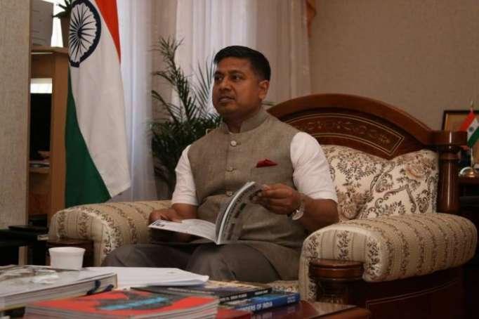 """Embajador: """"El Corredor Norte-Sur unirá Azerbaiyán con India"""""""