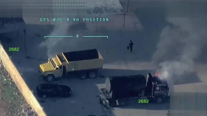 Les drones militaires turcs montrent les terroristes brûlant des véhicules à Afrin