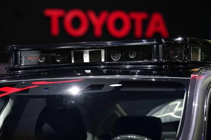 Toyota suspend ses essais de voitures autonomes